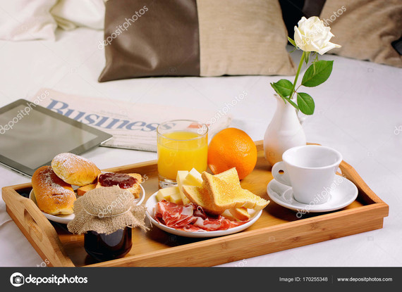 depositphotos_170255348-stock-photo-breakfast-in-bed-tray-with