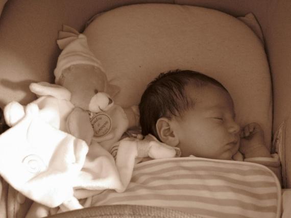 mathilde de la maternité a 1 mois 010