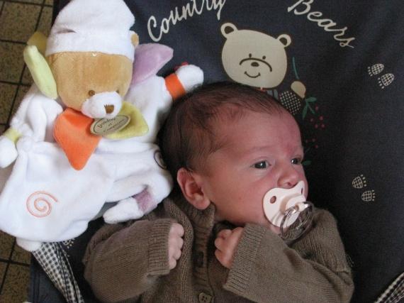 mathilde de la maternité a 1 mois 063