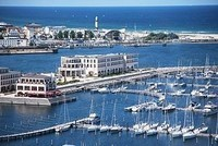 300px-Aerial_view_Yacht_Harbour_Residence_Rostock_Yachthafenresidenz_Hohe_Düne_1