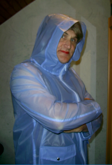 Ciré long bleu Asos.