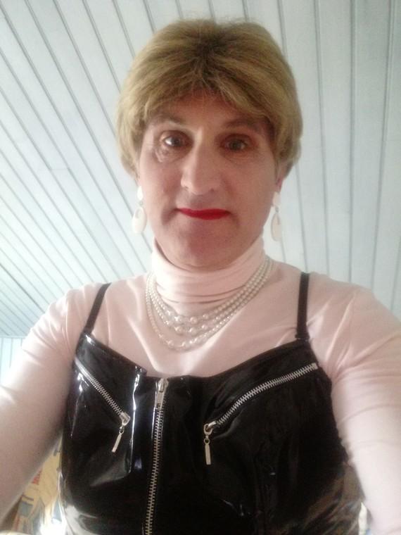 Agnès en selfie.