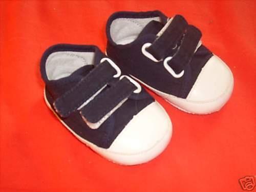 3 au lieu de 4 chaussure b b taille 17 chaussures. Black Bedroom Furniture Sets. Home Design Ideas