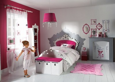 chambre petite princesse chambre fille princesse aina. Black Bedroom Furniture Sets. Home Design Ideas