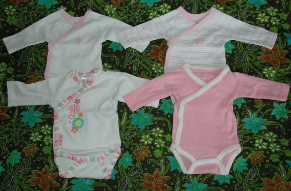 lot 4 bodies naissance 2 TEX 1 KITCHOUN TBE - 3.50€