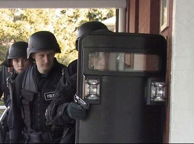 swat-team-10a.jpg1.