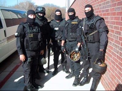 swat-team-posing