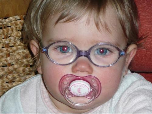 ca y est lucie a ces lunettes - Bébés de février 2008 - Bébés de l ... 1870c2670e6e