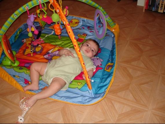 Tentative d'évasion de mon tapis d'éveil