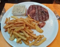 steak-frites-sauce-roquefort
