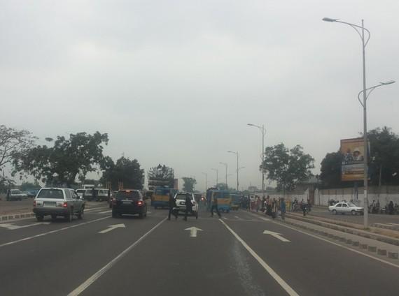 Camion marchandise Surchargé à Kinshasa