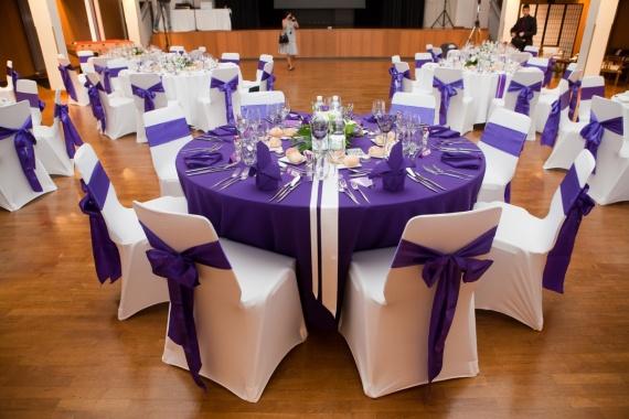 salle mariage theme violet et blanc 3