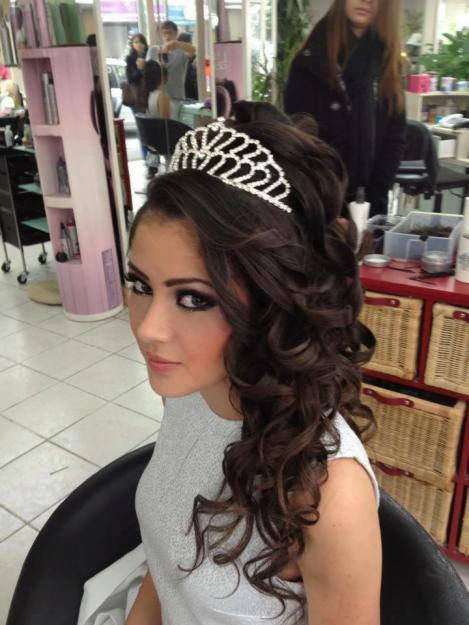 Complètement et trop extrême 1337542406_380493578_15-negafa-robes-3amariya-maquillage-coiffure @HF_12