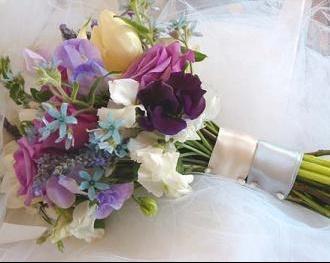 bridal_bouquet_blue_purple