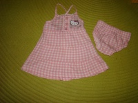 Ensemble Robe+Bloomer Hello Kitty - Taille 6 mois - 5€