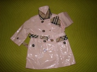 Trench BURBERRY - Rose vernis - Taille 6 mois - 45€