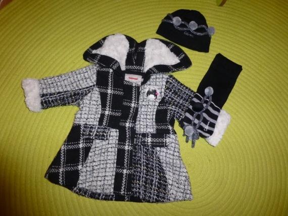 Manteau CATIMINI - Taille 6 mois + Bonnet/Écharpe CATIMINI - Taille 1/0 > 40€ les 3 pièces