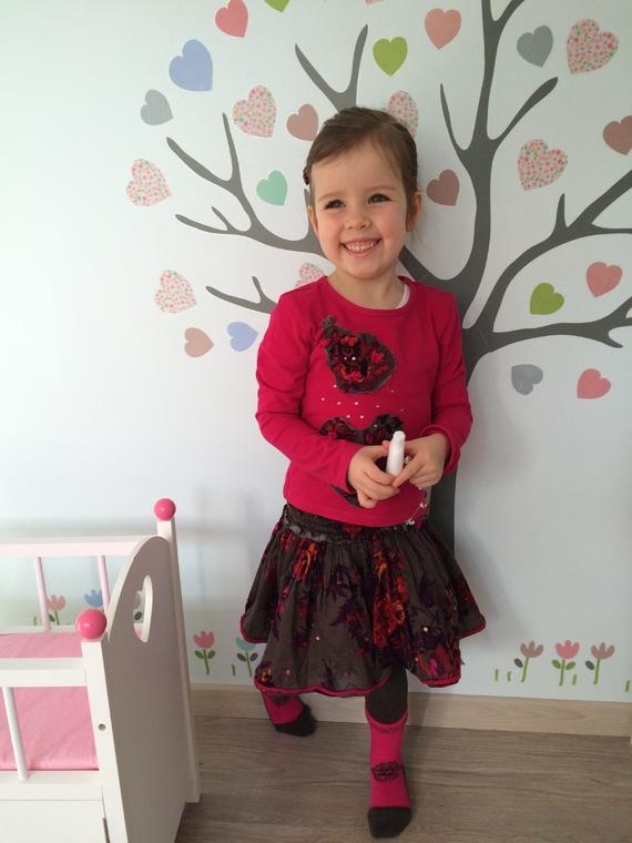 ensemble Eliane et Léna,  jupe grand 2 ans, tee shirt (3 et 4 ans)
