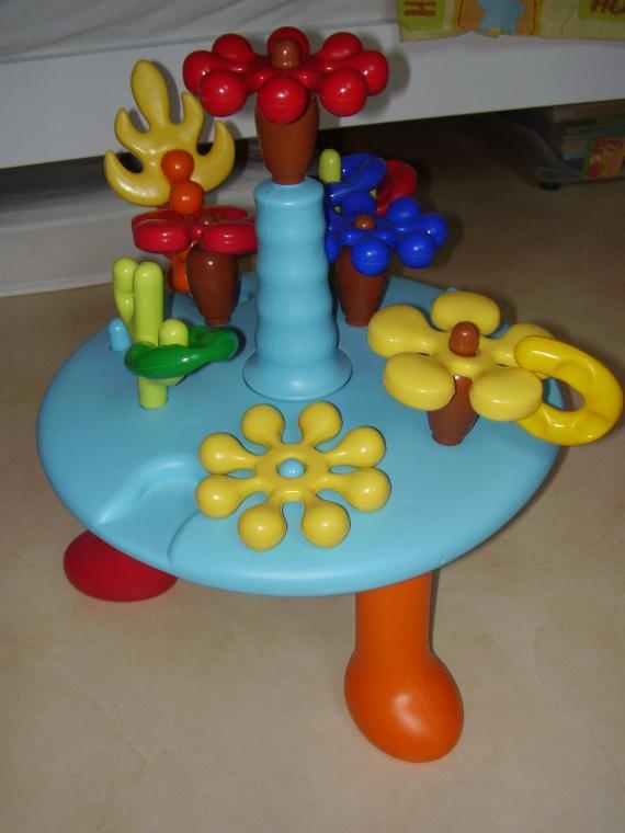 table d 39 activit s cotoons jouets bb letidu 60 photos. Black Bedroom Furniture Sets. Home Design Ideas