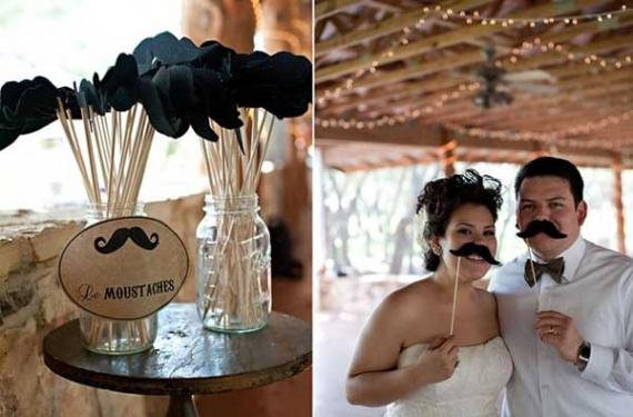 photobooth-avec-des-moustaches-mariage