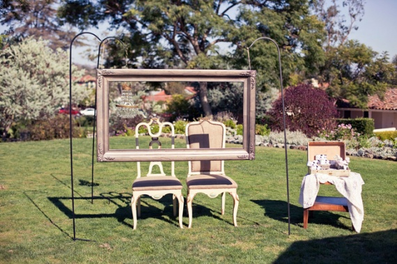 outdoor-photo-frame-booth
