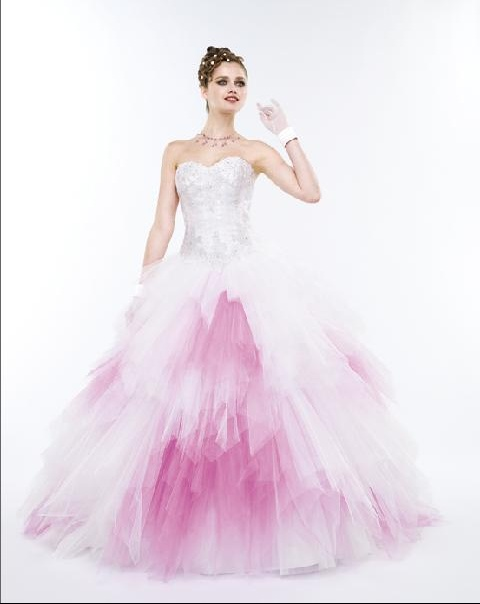 robe de mariage rose et blanche. Black Bedroom Furniture Sets. Home Design Ideas