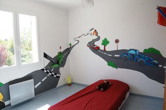 D co chambre theme voiture for Peinture de chambre de garcon