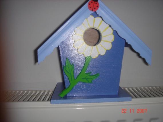 cabane à oiseaux bleu