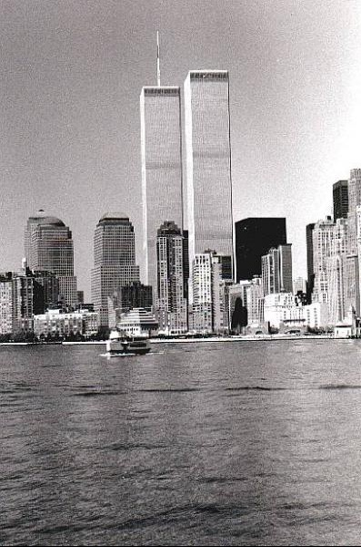 Manhattan_The_twins_towers_b-n_1997