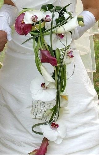 391933_OIG3PBLCAA78G16QZINWUVSV42RM24_bouquet_H162438_L