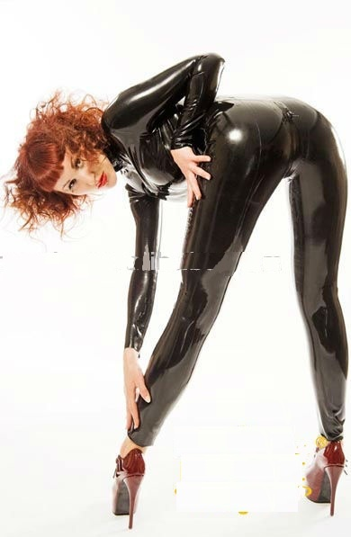 Rubber_Latex_Catsuit_with_Full_Body_Encased