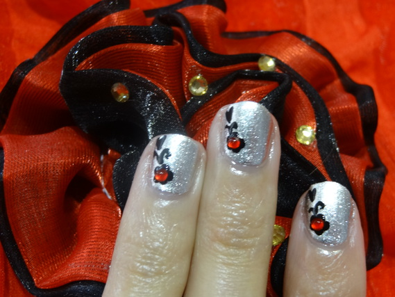 NAIL ART SUR ONGLES COURTS