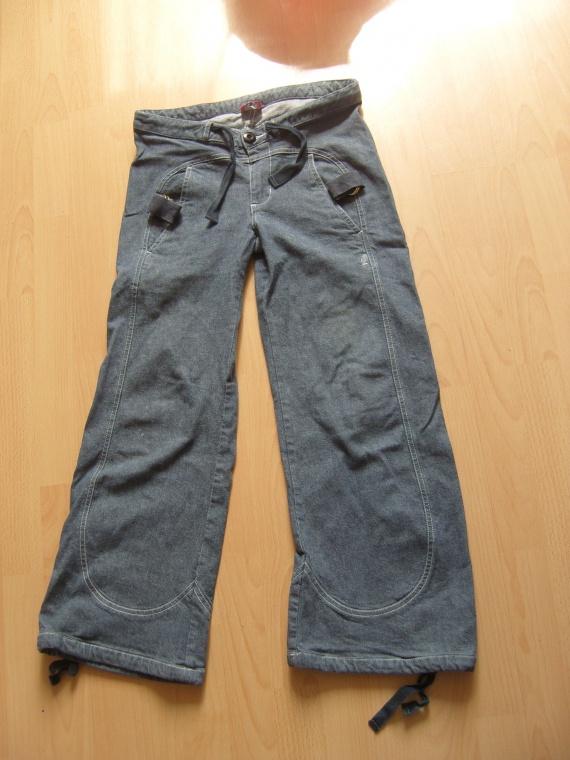 Pantalon kanabeach 6 euros Grand 36/ Petit 38