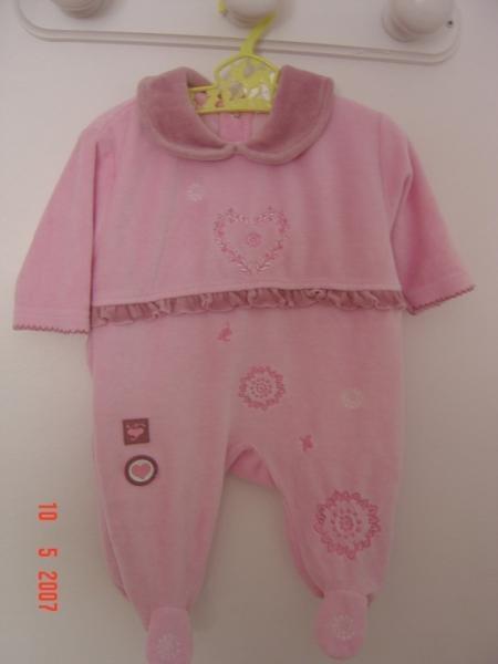 IM-766117-pyjama-1-mois-rose-et-mauve