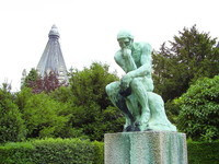 1920px-Le_Penseur_Laeken