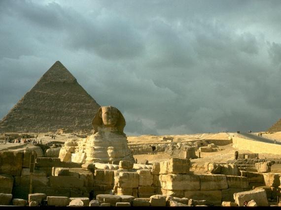 fond-ecran-pyramide