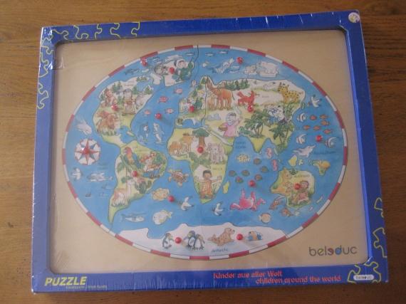 Puzzle carte en bois : 8 €