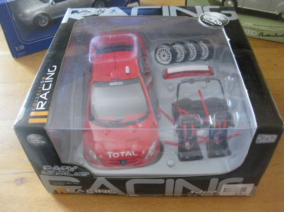 Voiture miniature Racing : 17 €