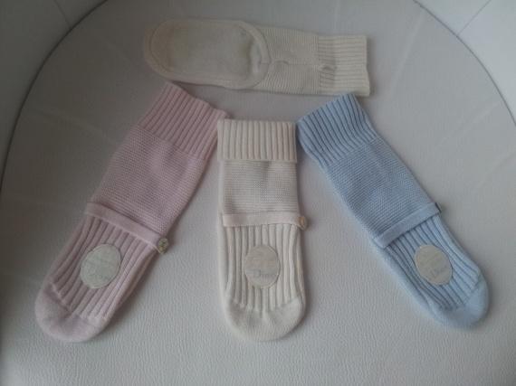 Adorables chaussons très chauds Baby Dior taille 6/12 mois 42 EUROS la paire