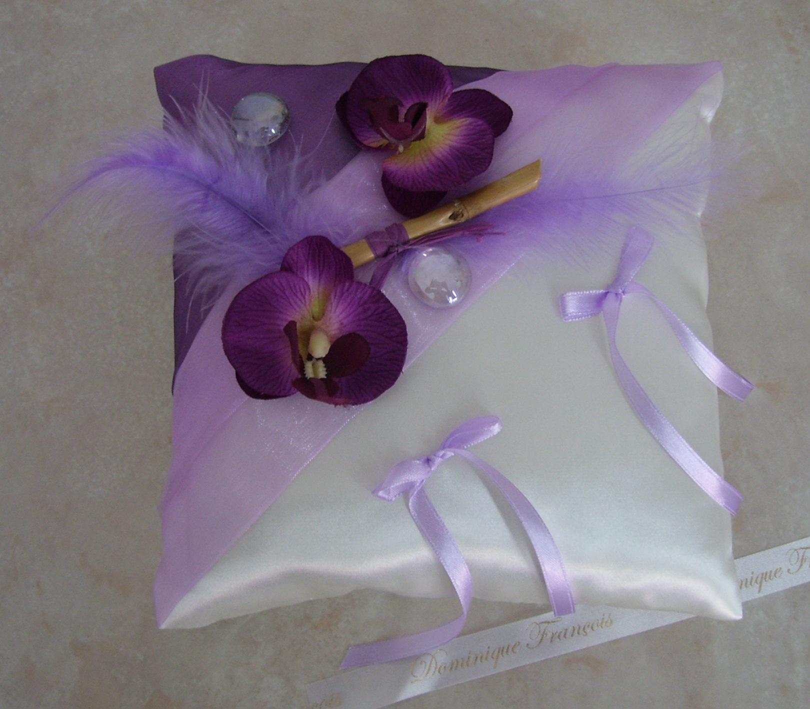 Coussin alliances, prune parme ivoire, zen orchidées, fini 001 ...