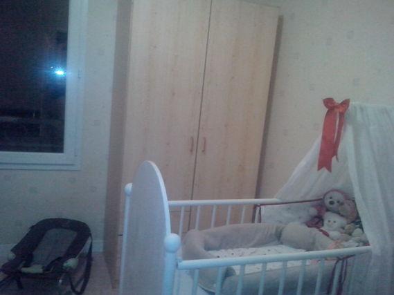 l'armoire+le lit+ un bout du tansat