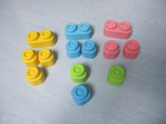 Lot clemmy, legos souples 6€