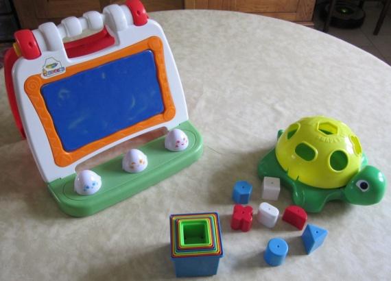 Lot jouets 1er âges 8€