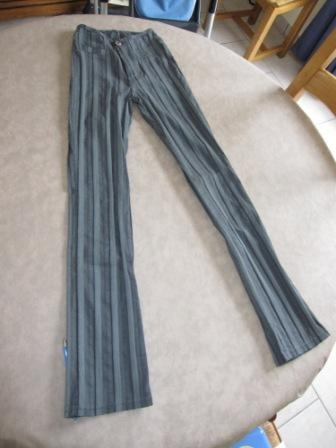 Pantalon rayé Ober 6€: