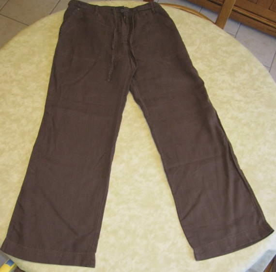Pantalon Creeks marron en lin 10€
