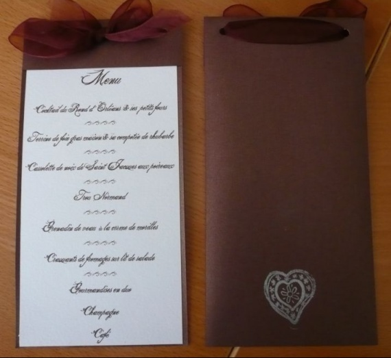 idee de presentation de menu mariage forum vie pratique. Black Bedroom Furniture Sets. Home Design Ideas