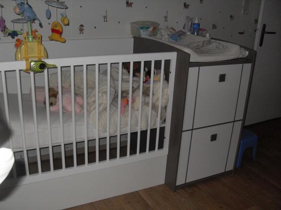 chambre yanis bebe neuf avec des id es int ressantes pour la conception de la chambre. Black Bedroom Furniture Sets. Home Design Ideas