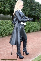 dressed_in_leather_out_gloves1_jpg-1143790388f