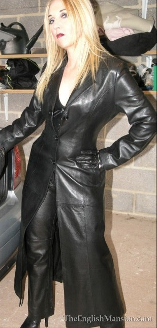 Pantalon en cuir er long manteau en cuir