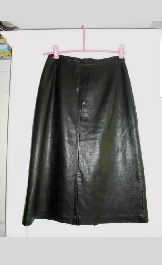 Nouvelle jupe en cuir